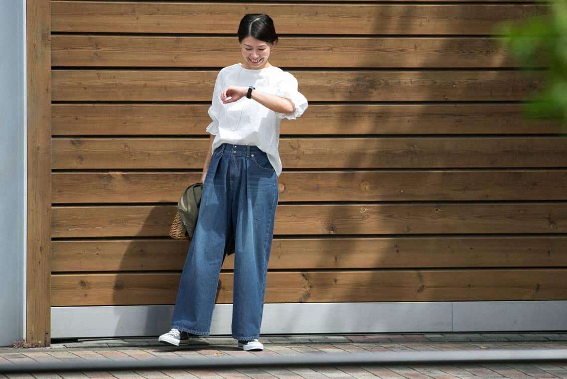 【次回8月頃入荷予定】「今日のコーデはデニムが主役」すっきり見えインタックのワイドパンツ/KURASHI&Trips PUBLISHINGの商品写真