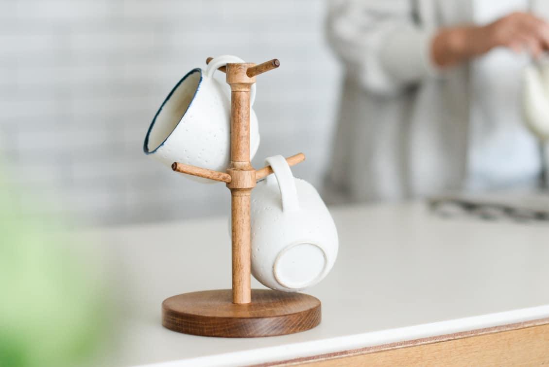 「マイカップの指定席」職人さんと作った木製マグツリー/ KURASHI&Trips PUBLISHINGの商品写真