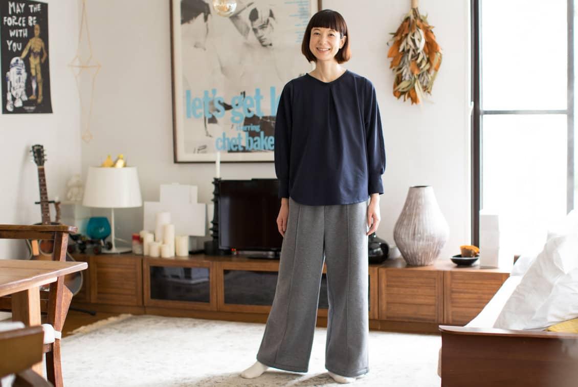 【2019年11月〜12月入荷予定】「家でのわたしも好きになる」見た目も機能もちょうどいいルームウェアセット/香菜子×KURASHI&Trips PUBLISHING(ネイビー×グレー)の商品写真