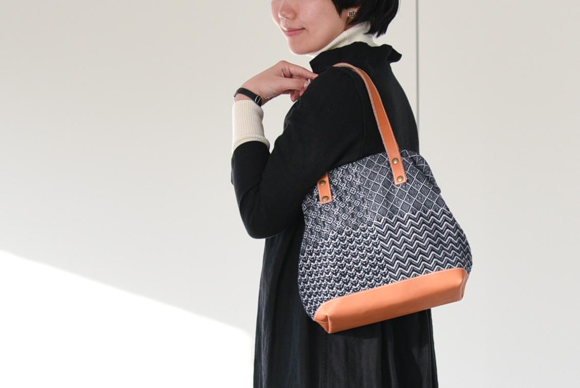 trois temps/トロワトン/手織りのがま口ハンドバッグの商品写真