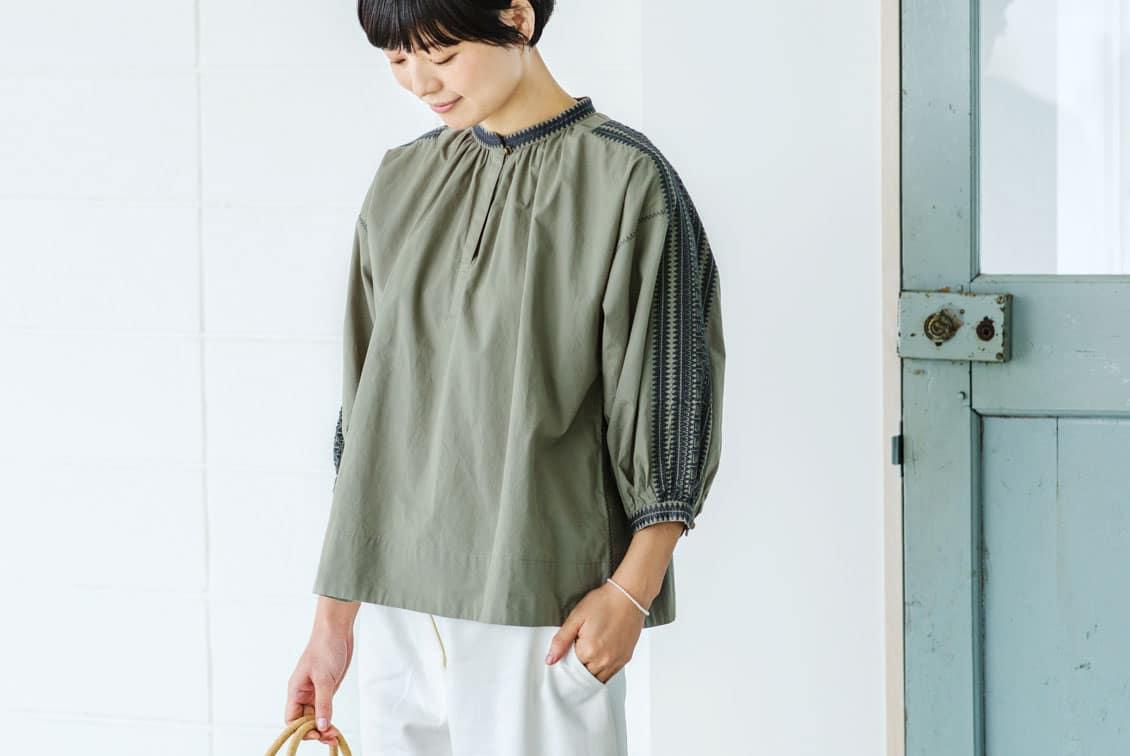 【取扱終了】Soi-e/ソワ/刺繍ブラウス(オリーブ)の商品写真
