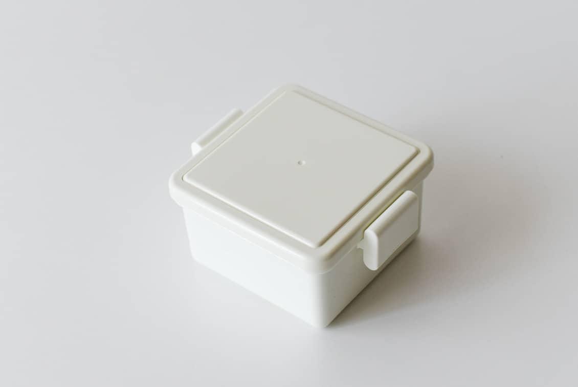 フタが保冷剤になるランチボックス/220ml/ホワイトの商品写真