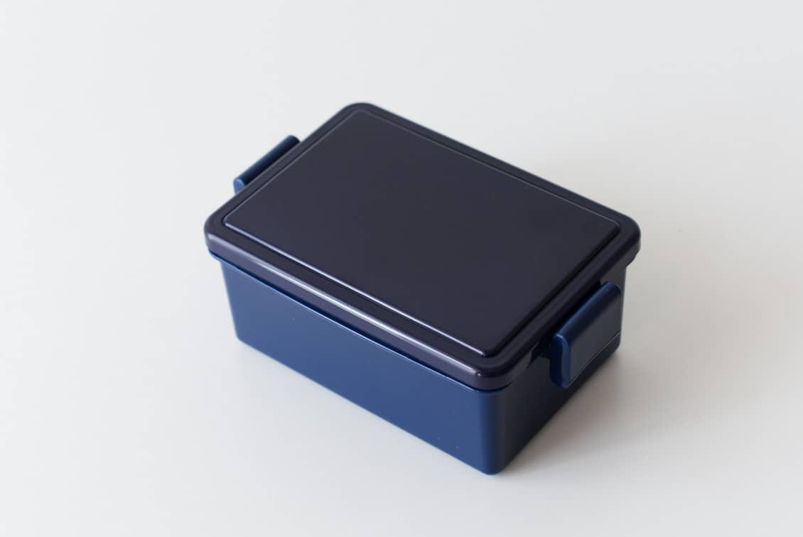 フタが保冷剤になるランチボックス/400ml/ネイビーの商品写真