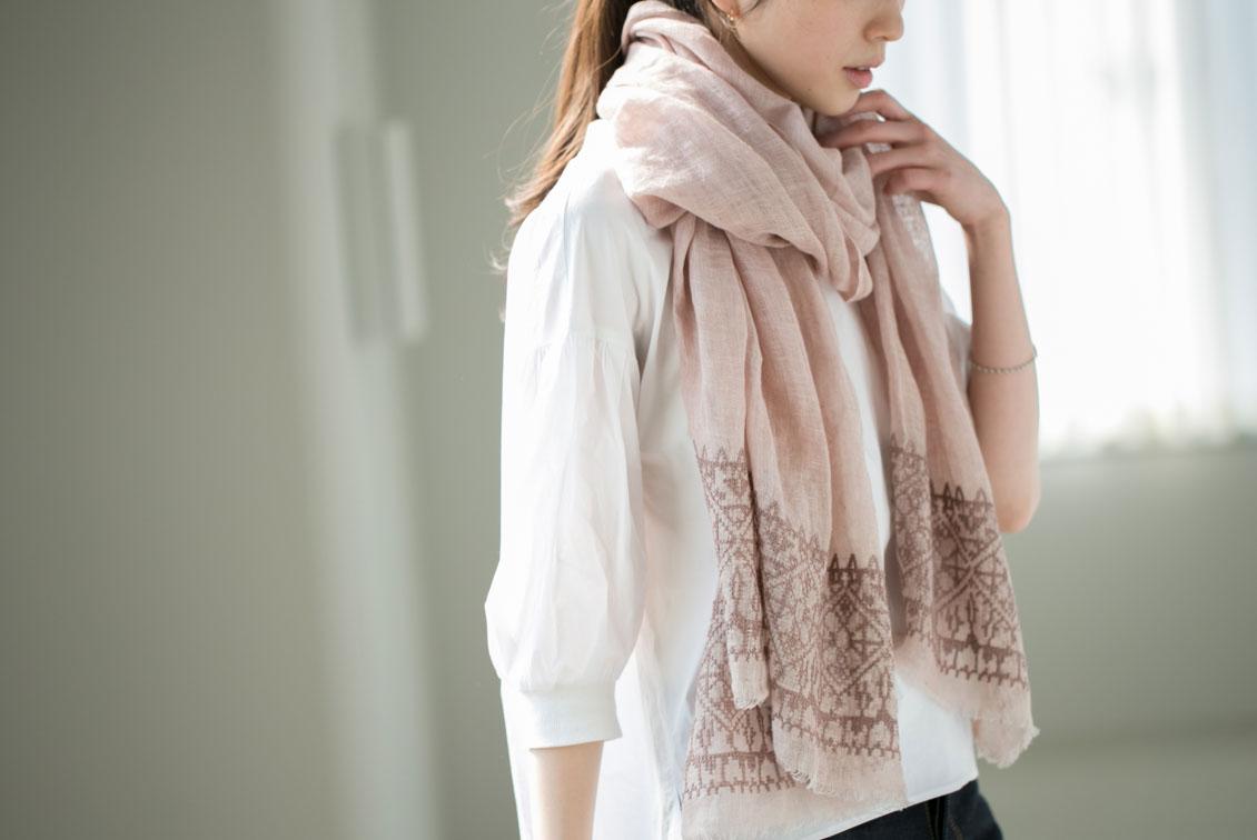 【次回7月頃入荷予定】Soi-e/ソワ/クロス刺繍リネンストール(ピンク)の商品写真