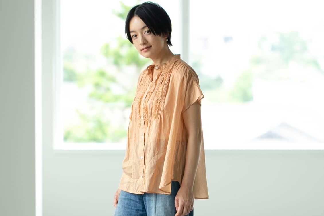【今季終了】「夏のわたしの定番に」風をはらむピンタックブラウス(モスピンク)/KURASHI&Trips PUBLISHINGの商品写真