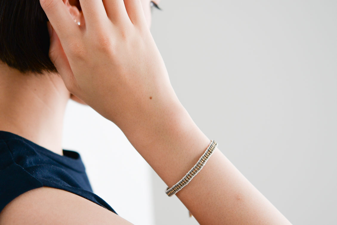 【今季終了】Sidai Designs/シダイデザイン/ビーズブレスレット(グレー×ゴールド)の商品写真