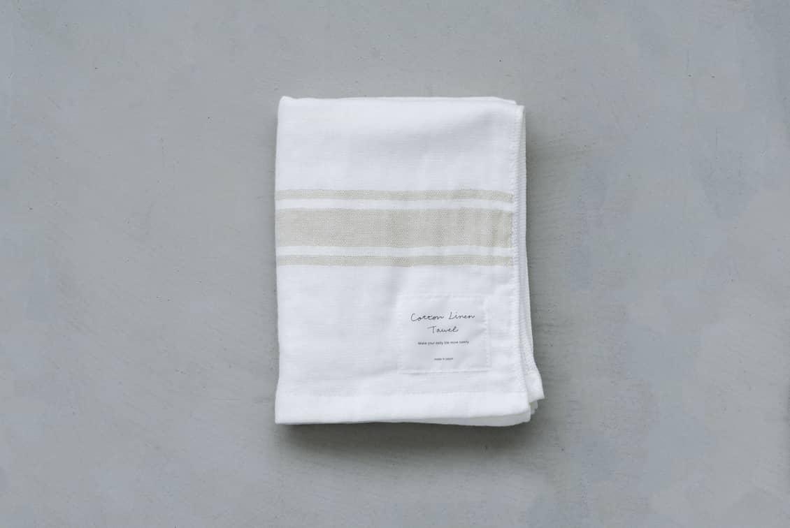 さらりと心地よい、コットンリネンのフェイスタオル(ホワイト×ベージュ)/KURASHI&Trips PUBLISHINGの商品写真