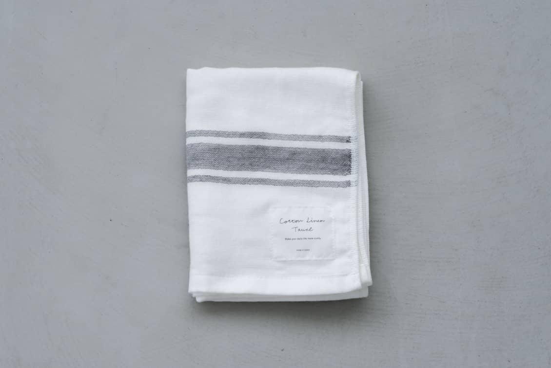 さらりと心地よい、コットンリネンのフェイスタオル(ホワイト×グレー)/KURASHI&Trips PUBLISHINGの商品写真