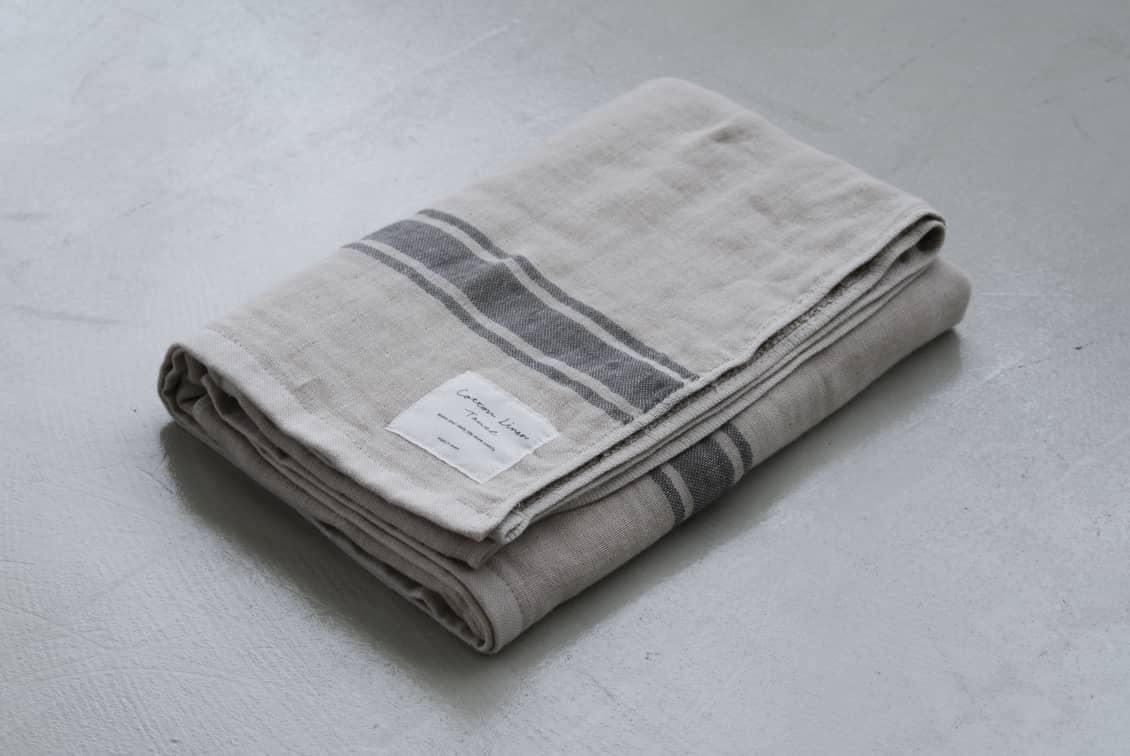さらりと心地よい、コットンリネンのバスタオル(ベージュ×グレー)/KURASHI&Trips PUBLISHINGの商品写真
