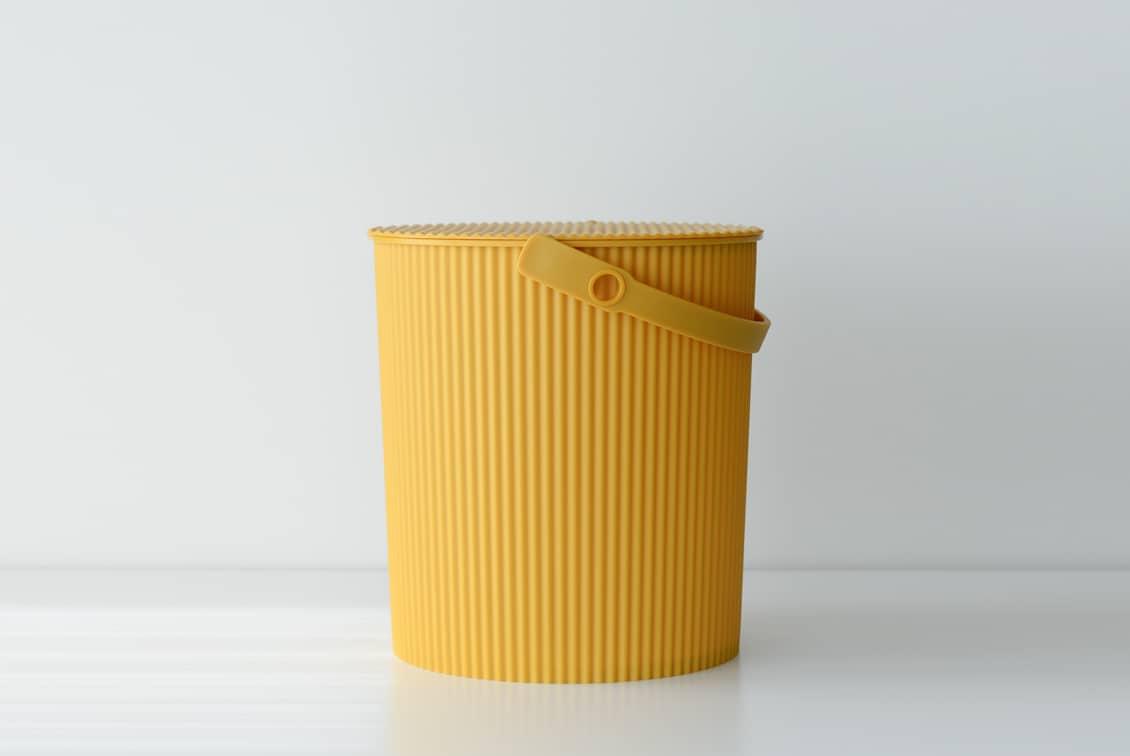 フタ付きバケツ/オムニウッティ/マスタード(20L)の商品写真