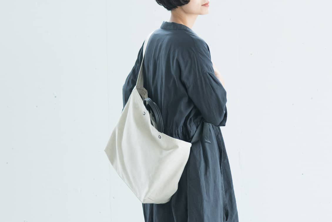 【次回春ごろ入荷予定】yes/イエス/リネンショルダーバッグ(キナリ×ブラック)の商品写真