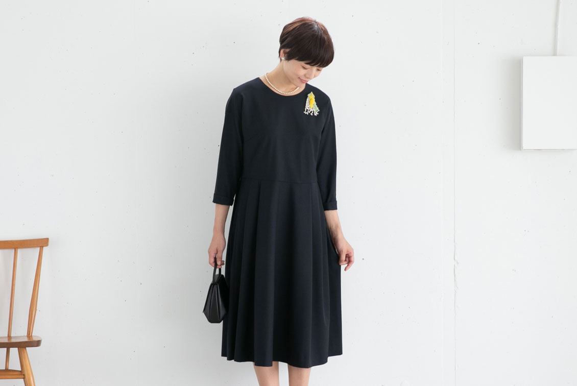 レギュラーサイズ/「大切な日もわたしらしく」フォーマルワンピース(プリーツ)/atelier naruse×KURASHI&Trips PUBLISHINGの商品写真