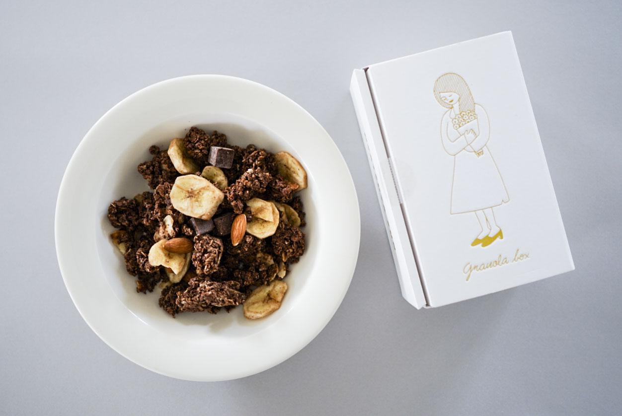 チョコとバナナのグラノーラ/OYATSUYA SUNの商品写真