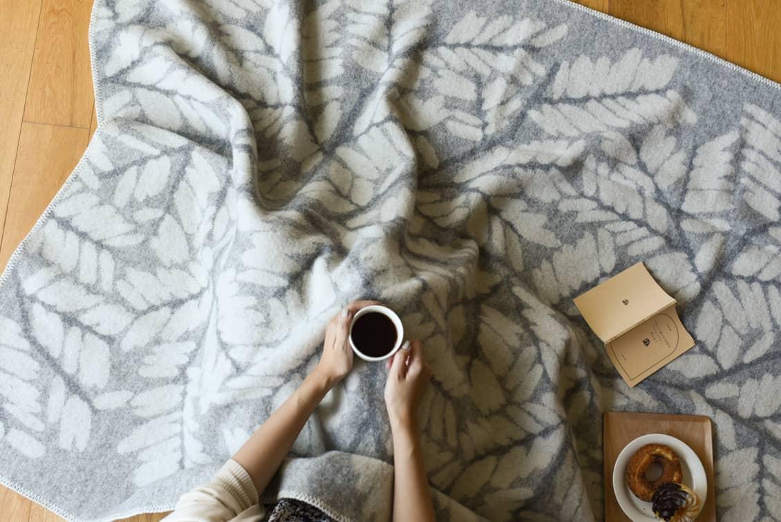 【今季終了】LAPUAN KANKURIT/ラプアン・カンクリ/ウールブランケット/VERSO/グレーの商品写真