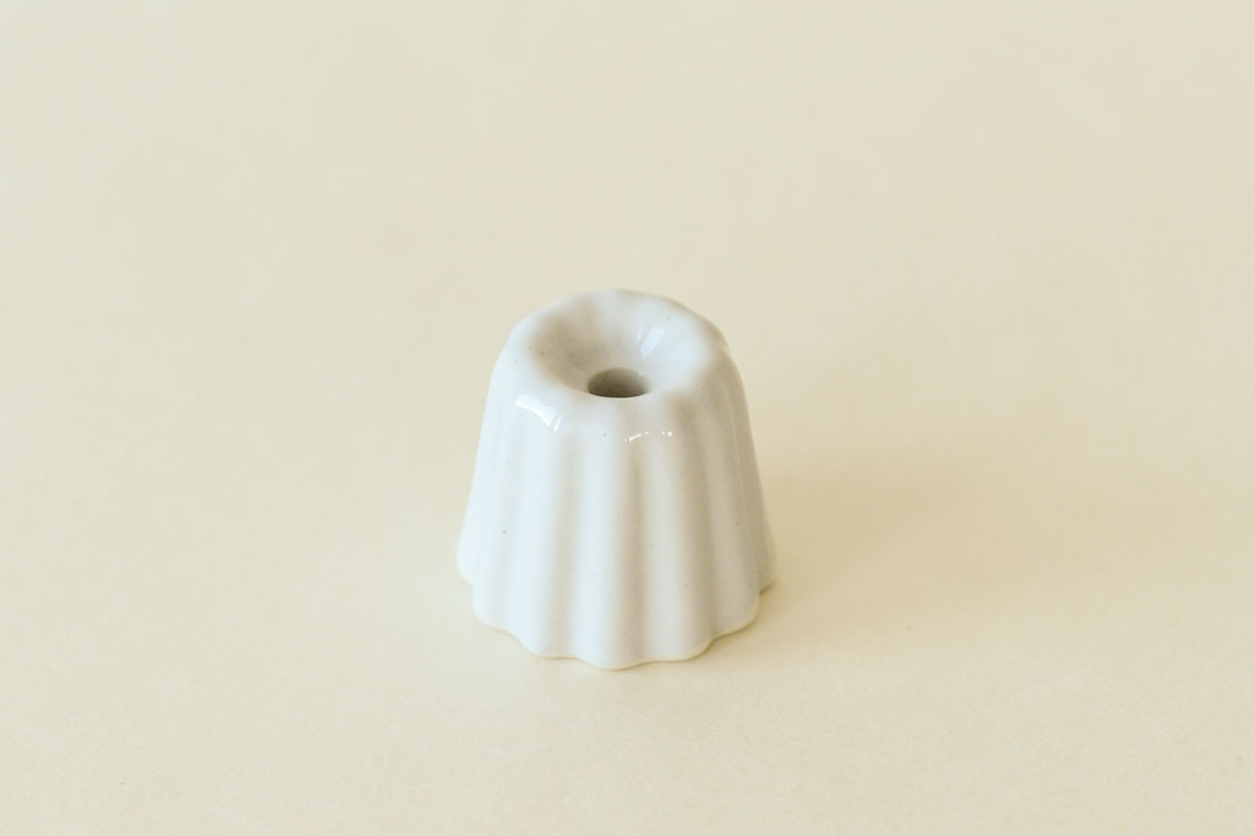 OVO Things/カヌレ型のキャンドルホルダー(グレイズホワイト)の商品写真