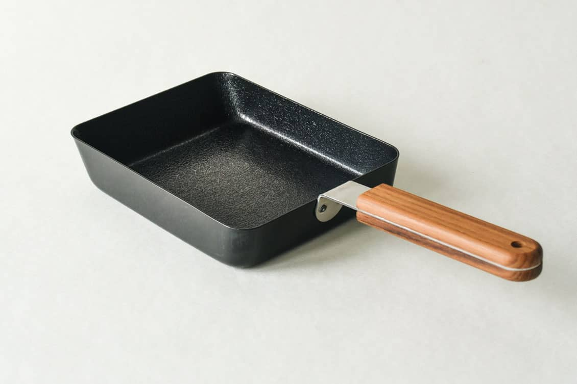 ambai/玉子焼・卵焼きフライパン/角(約14.4cm×18.7cm)の商品写真