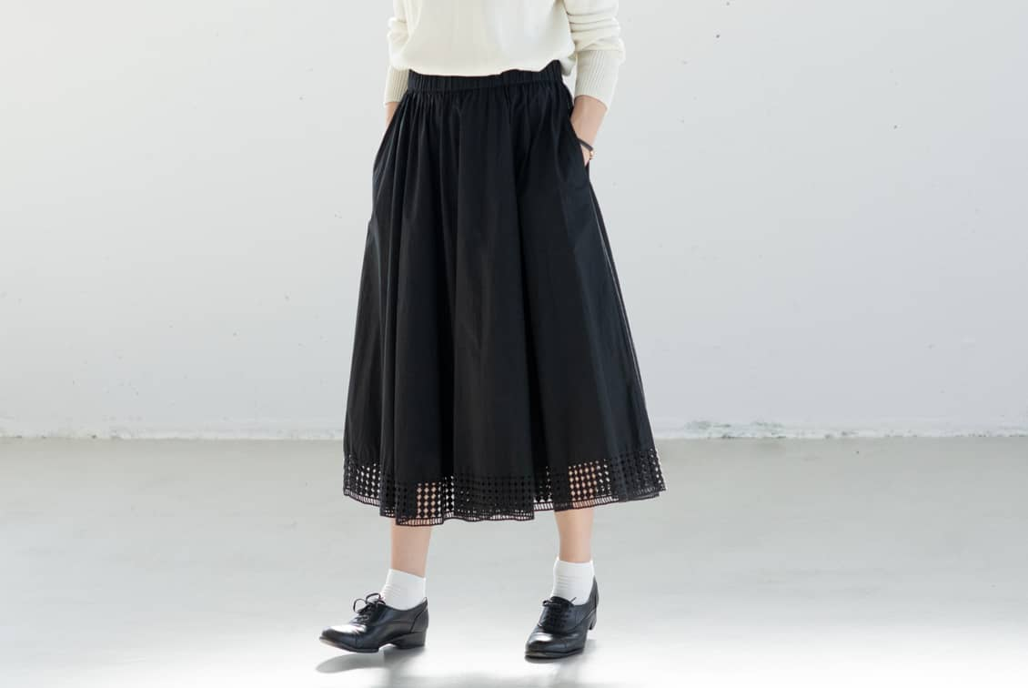 utilite/ユティリテ/刺繍レーススカート(ブラック)の商品写真