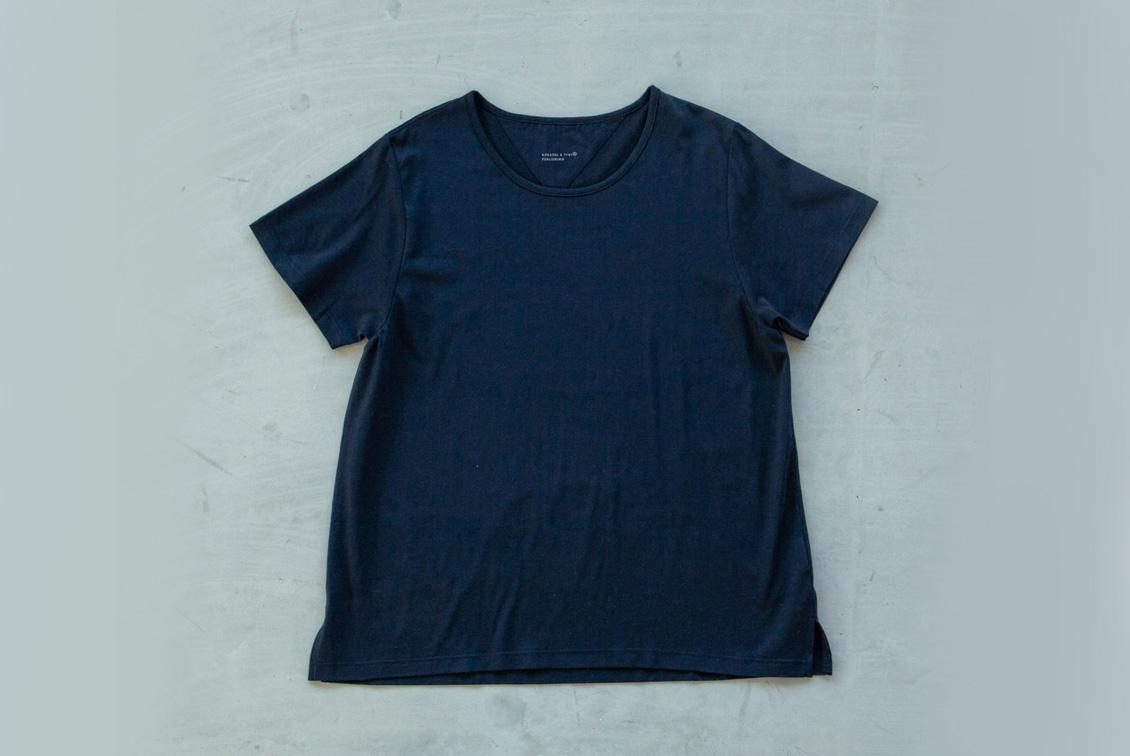「大人に似合うワケがある」素肌も心もよろこぶTシャツ/Uネック(ブラック)の商品写真