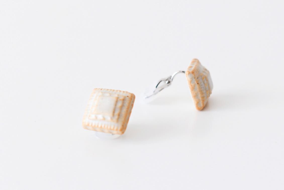 川名 萌子/陶器のイヤリングの商品写真