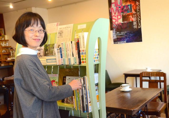 好奇心あふれる笑顔が魅力的な店主の前野久美子さん