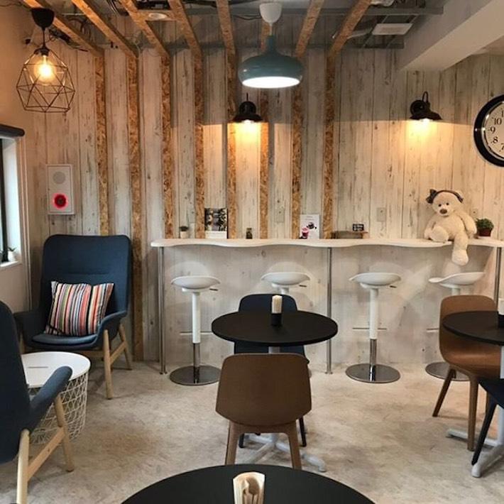 広々としたカフェスペース(画像提供:ONE SWEET COFFEE)
