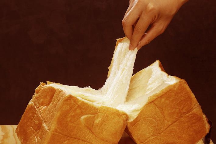 それぞれの食材にこだわった食パン!そのままちぎって、ふんわり優しい口どけを楽しんで