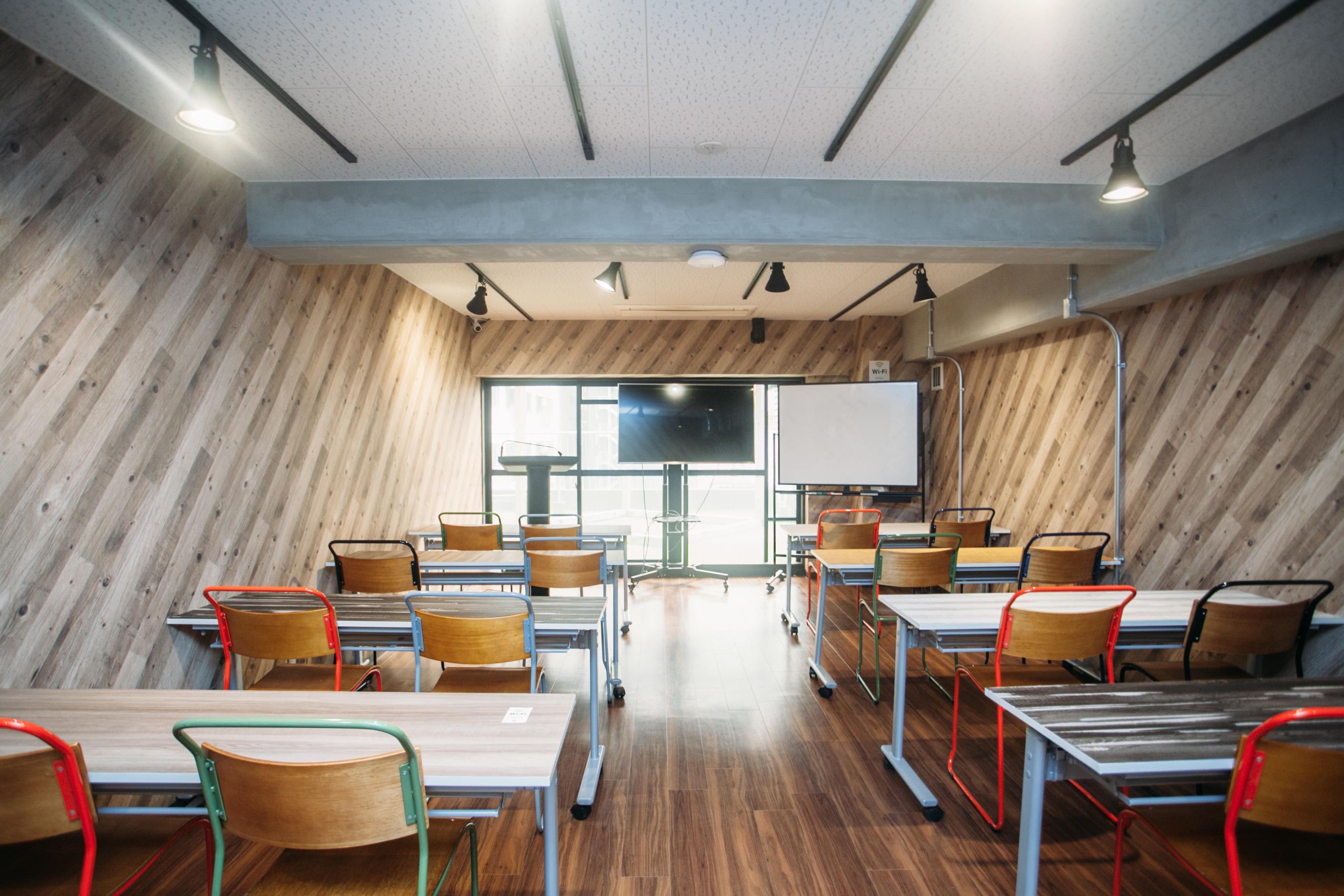 18名用の会議室