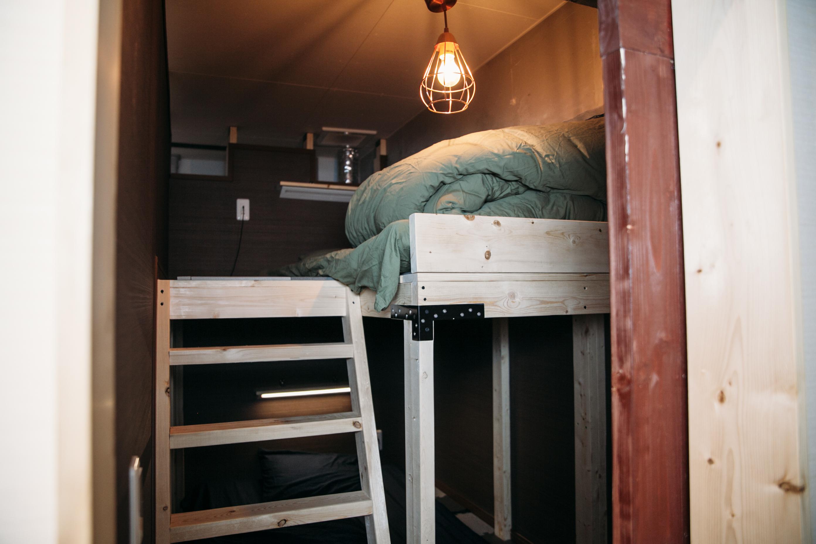 仮眠室は最大4名が使用可能
