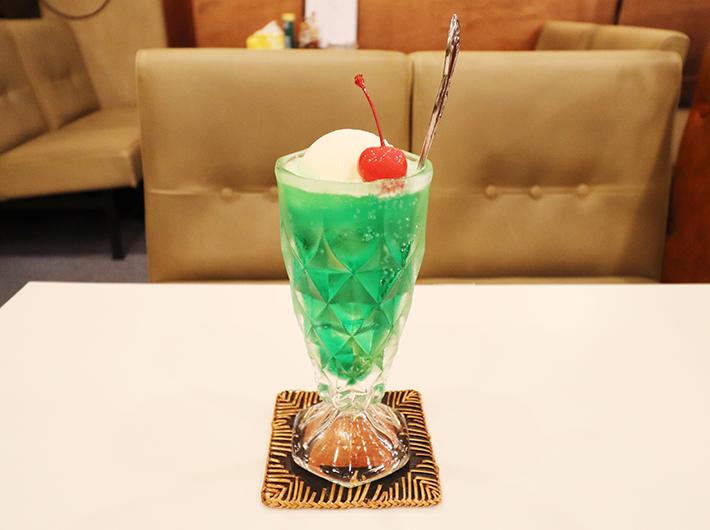 クリームソーダ 500円(税込)