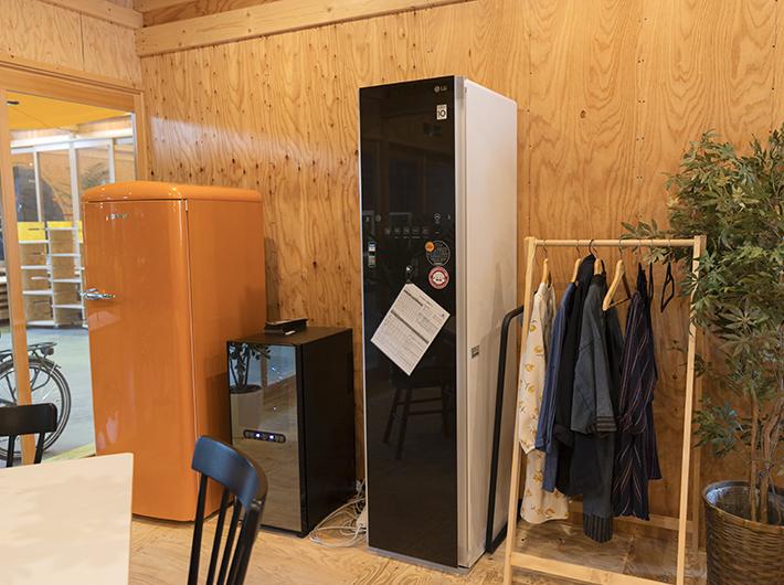 冷蔵庫、衣類が除菌できるスチーマー