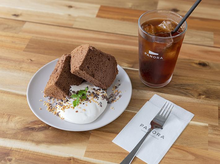 AURO BLACK シフォンケーキとPANORAオリジナルブレンドコーヒー