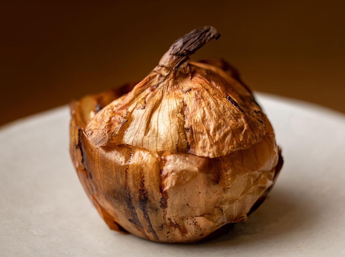 店内で頂ける料理は、季節や食材によって様々。写真は、玉ねぎを使ったイタリアの茶碗蒸しのような料理「スフォルマート」