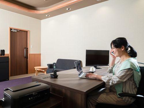 【支笏湖でワーケーション】WEBミーティングにも◎!個室ワーキングルーム4時間利用付き/ビュッフェ