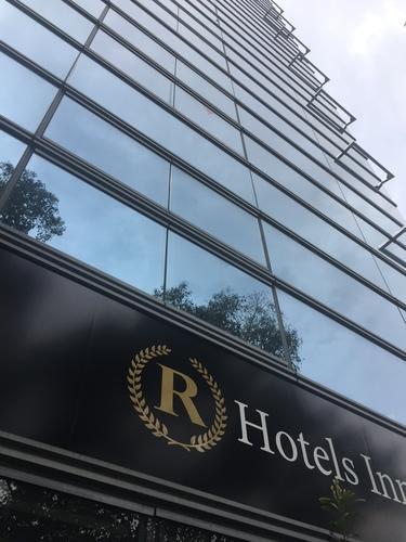 Rホテルズイン大阪北梅田S270318