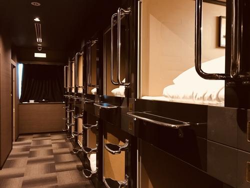 カプセルホテル函館S010846