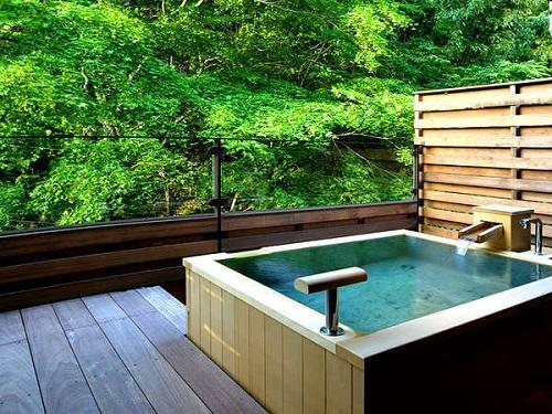 お部屋食・露天風呂付客室