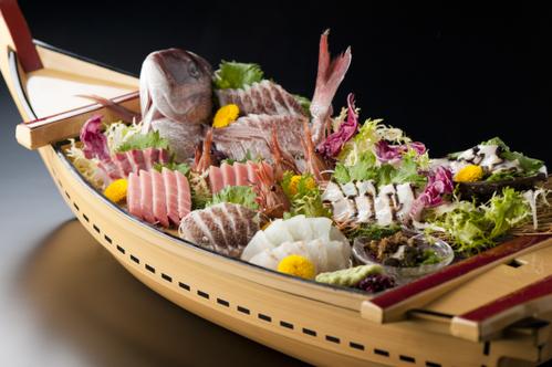 【豪快舟盛り】大漁御礼!舟盛り付きプラン♪ 海に来たらやっぱり「魚」です!