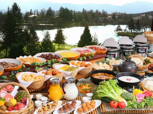 【朝食付】朝食は最上階レストランで♪1泊朝食付プラン
