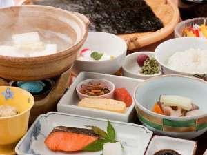 【朝食付き】有明海産の一枚海苔に炭酸豆腐など、驚きに満ちた当館自慢の朝ごはんで一日の活力を!