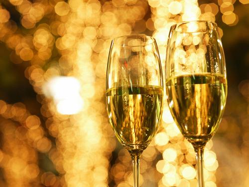 【カップル・アニバーサリー】素敵な記念日を演出★3大特典付(お祝いケーキ+貸切舟+乾杯ワイン♪)