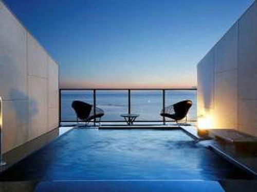 雑誌の表紙にも【Sky Suite〜天空の露天風呂付客室】基本プラン☆夕食には当客室限定の特撰会席を♪