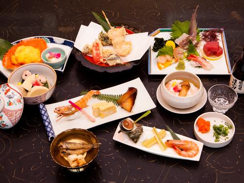 【3世代旅行におすすめ】浜名湖を一望できる客室が好評!お部屋食でいただく奥浜名湖の海の幸