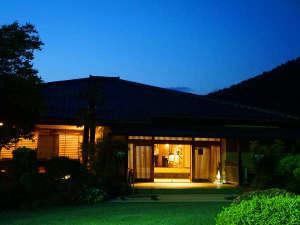 割烹旅館 桃山S200701