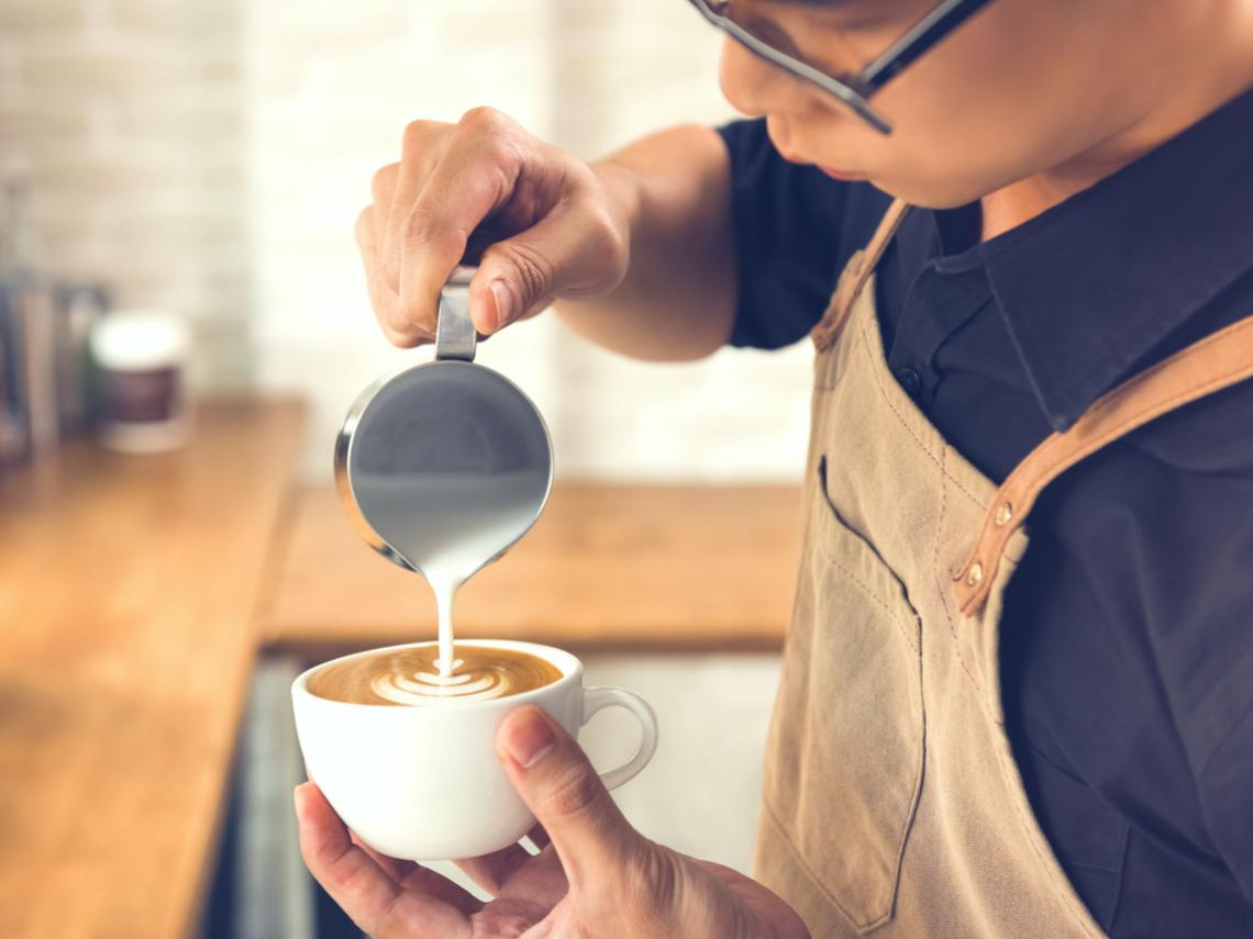 咖啡的拉花是要經過不斷的練習和體悟。