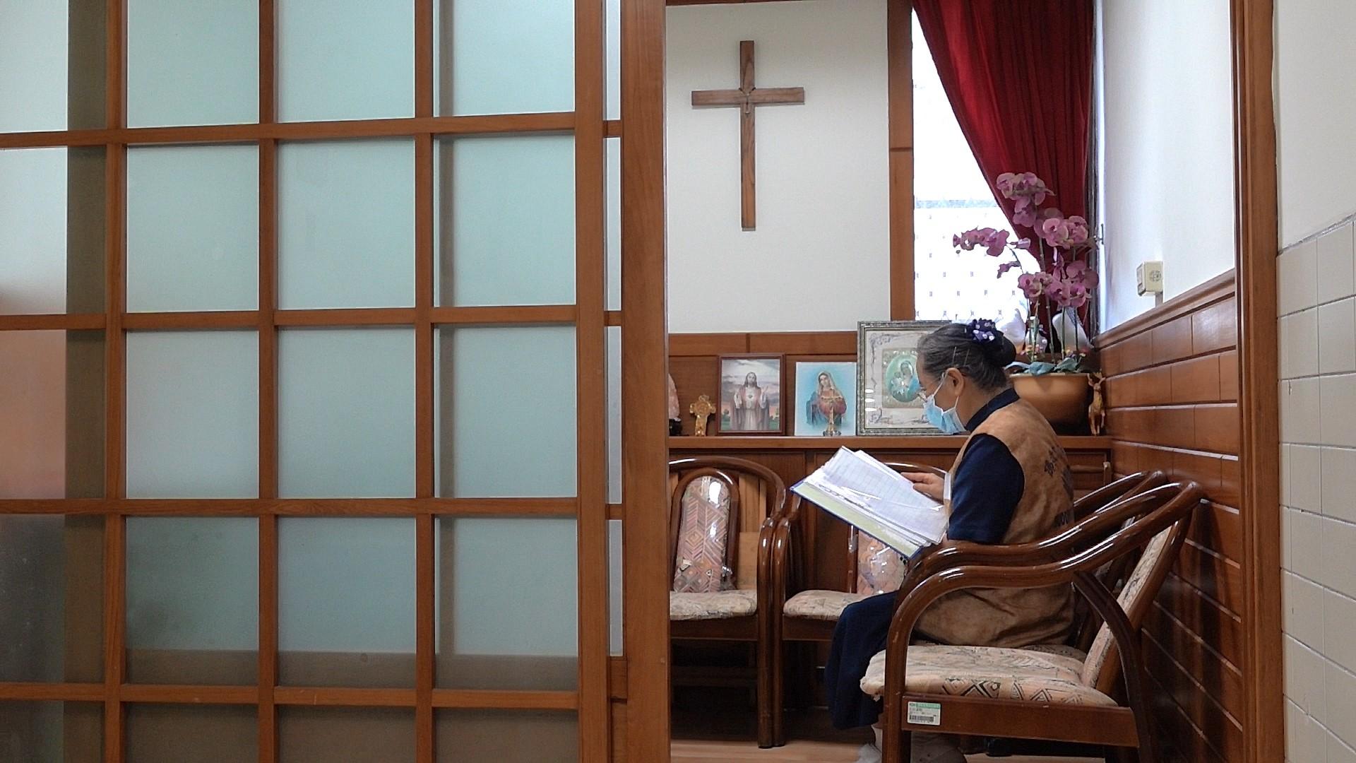 花蓮慈濟醫院心蓮(安寧)病房設有不同宗教祈禱室,可讓安寧病患尋求心靈慰藉。(黃子明攝)