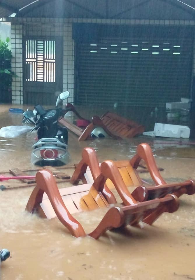 新竹豪雨新豐鄉一路段「泥水黃河」侵襲