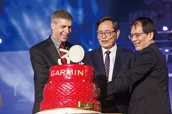 高民環與彭布爾、王正偉 一起為Garmin慶生