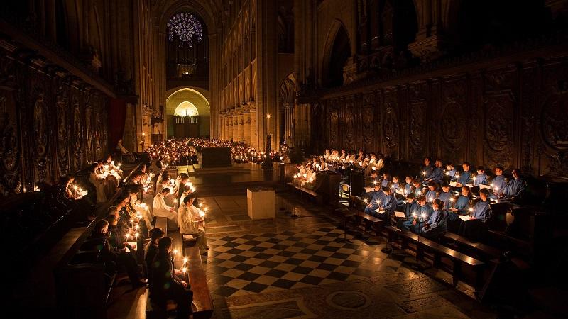 聖母院守夜儀式。圖/Cathédrale Notre-Dame de Paris臉書