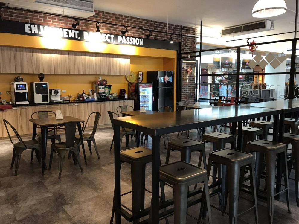 本土速食店始祖頂呱呱又有新動作,這次無關乎展店或引進新品牌,而是歷時2年建置的新總部重新落成。