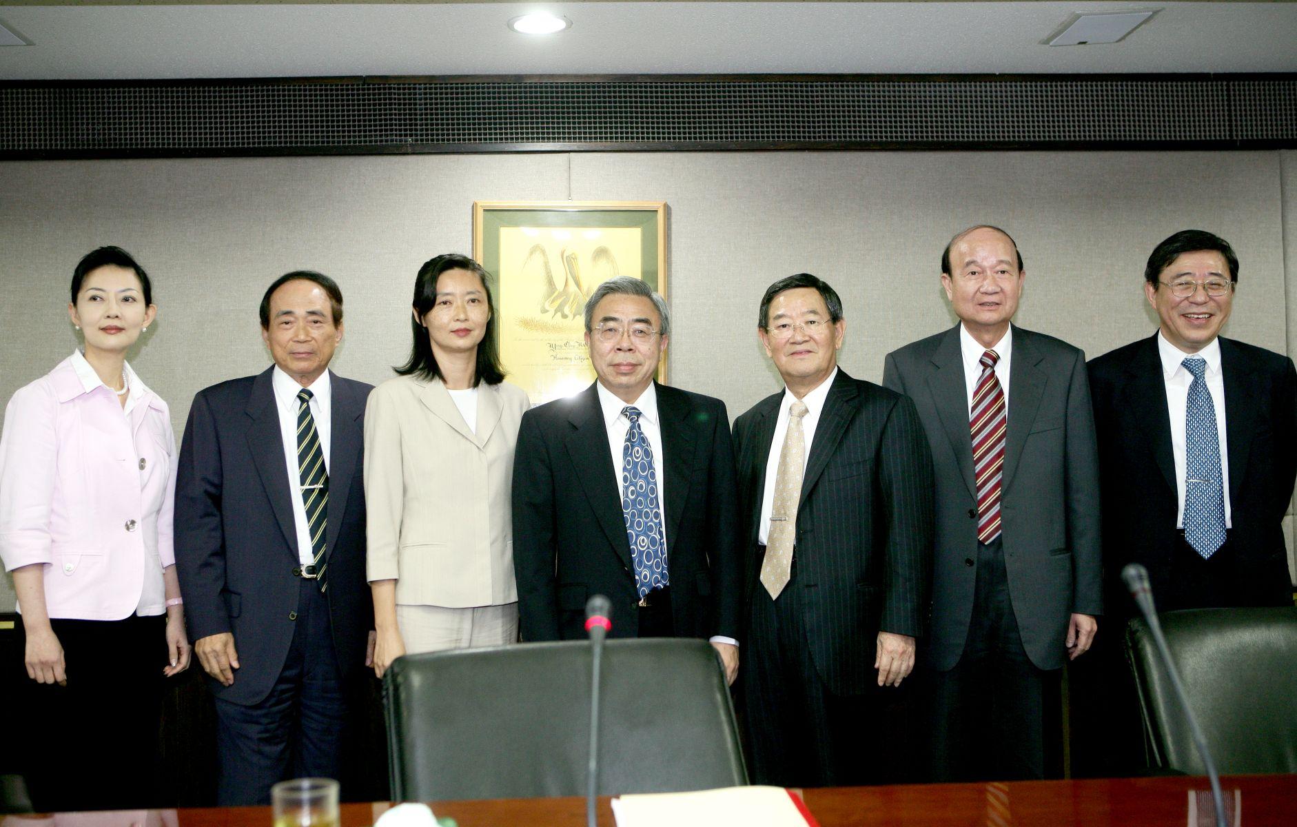台塑集團總裁王文淵接掌長庚大學、長庚技術學院、明志科大等三校董事長。